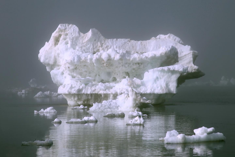 Айсберг в тумане_новый размер.jpg