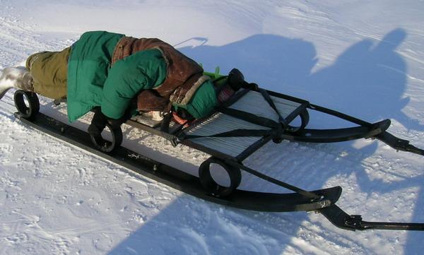 Как сделать сани на снегоход своими руками