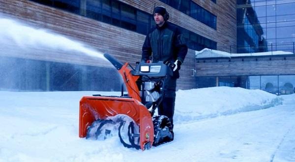 snegootbrasyvatel-husqvarna-1.jpg