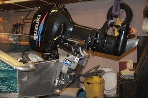 как установить подъемник на лодочный мотор
